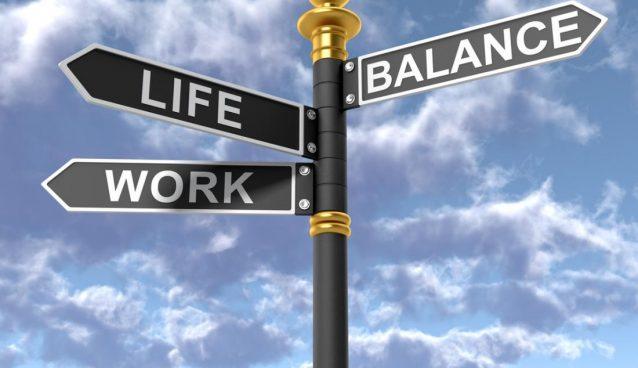 بین کار و زندگی