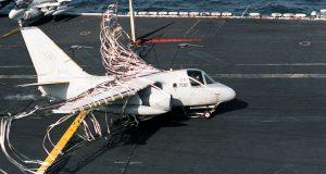 تکنولوژی 50 سال پیش مهندسان برای راحت نشادن هواپیمای تجاری بر روی ناو